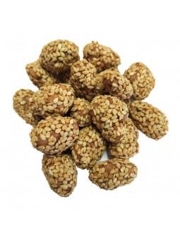 Amandes caramélisées enrobées aux graines de sésame