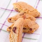 Recette des biscottis à la papaye séchée et réglisse