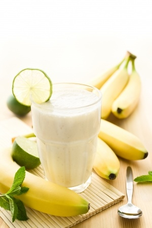 Recette smoothie banane litchi cannelle cardamome épices