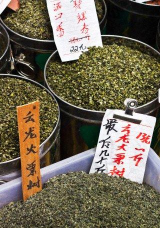 thes verts sur un marché de chine