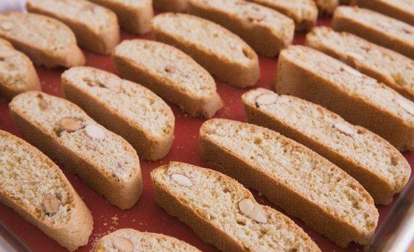 Recette : Biscuits italiens aux amandes et anis