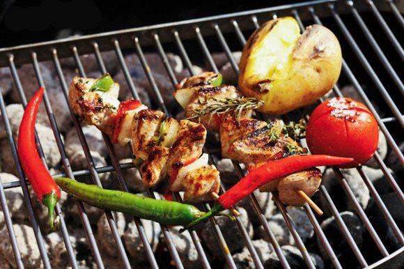 Recette : Brochettes de poulet marinées aux épices cajun