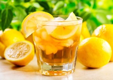 Recette de boisson santé à la menthe et épices