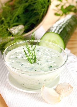 Recette : Tzatziki de concombre (Grèce)