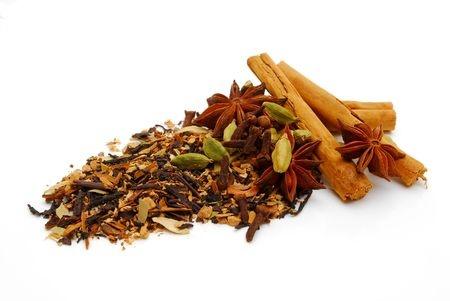 Épices chaï maison pour le thé