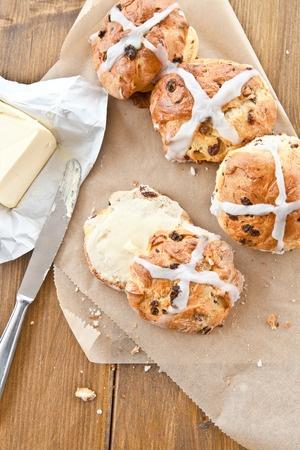 Recette : Hot cross buns (petits pains anglais de Pâques)