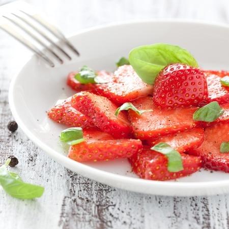 Recette : Salade de fraises au cubèbe