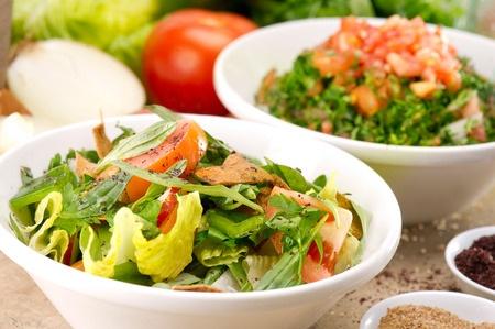 Recette : Fattouche (salade libanaise au sumac)