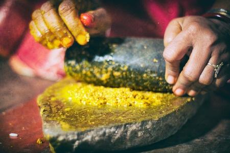 masque de beauté indienne au curcuma