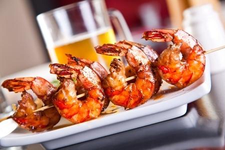 brochettes de crevettes epices saté