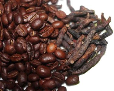 graines de café et diar (poivre selim)