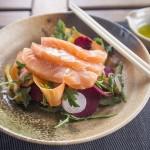 sashimis de saumon au poivre et sil timur