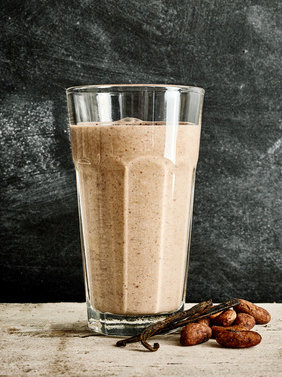 Smoothie aux fèves de cacao crues