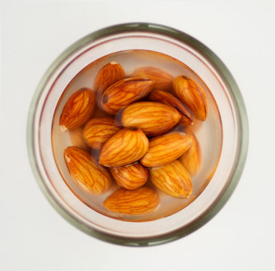Pourquoi faire tremper ses graines, noix et oléagineux ?