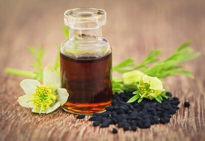 Comment utiliser l'huile de nigelle pour les cheveux ?
