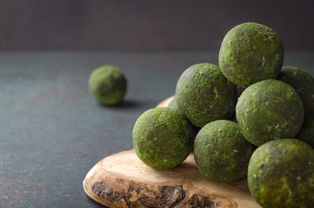 Recette : Energy balls à la spiruline (boules protéinées vegan) !