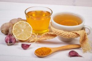 eau chaude curcuma citron